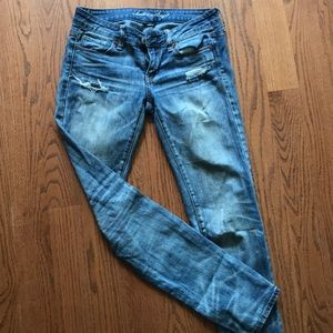 American Eagle stretchy distressed blue jeans